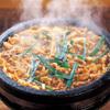 どん蔵 - 料理写真:どん蔵チゲ鍋:唐辛子みそ仕立てのスープでのスパイシーな逸品