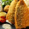 魚輝 - 料理写真:一口食べれば身のふかふか感に感動する『季節のフライ 鯵と赤茄子のフライ』