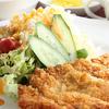仙華園 - 料理写真:サクッと軽くジューシーな味わい『とんかつ定食』