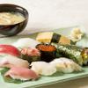 雛鮨 - 料理写真:季節の握り八貫+玉子+手巻