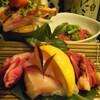 嬉らく人 - 料理写真:ほとんどの方が注文する 朝引き鶏 《部長盛》