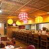 奥芝商店 - 内観写真:カウンター席、テーブル席、奥に小上がり席がございます。