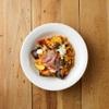 ドレモルタオ - 料理写真:旬の野菜と生ハムのトマト生パスタ