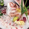 ざうお - 料理写真:全国各地から取り寄せている鮮魚は、鮮度抜群!生簀などで管理されている魚は、全国から選りすぐりの魚介を取り寄せています。釣って直ぐに調理をするので、新鮮な風味を堪能できます。「刺身」「天ぷら」「寿司」など、お好みに調理を依頼することも可能です。