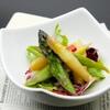 キタバル - 料理写真:【アーリーサマーフェスタ】 グリーンとホワイト、2種アスパラのバター炒め フェア価格300円