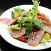 キタバル - 料理写真:【8月のSPECIAL MENU】 江別市篠津より ほうれん草とベーコンのサラダ 580円