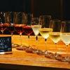ボクモ - ドリンク写真:毎日、10種類以上楽しめるグラスワイン。ソムリエが厳選の赤・白・泡・ロゼ、飲み比べるとたのしいです!