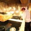 魚樽 - 内観写真:職人が素早くすくい上げて豪快な活魚料理に!