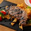 ステックフリット ガスパール ザンザン - 料理写真:ボリューム満点ステーキフレンチフライ添え