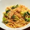 ランチ&バー 花菜 - 料理写真:ブロッコリーと蒸し鶏のトマトソース