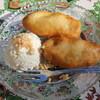 ベトナムちゃん - 料理写真:揚げバナナとアイスクリーム、ピーナッツがけ。温かい揚げバナナと冷たいアイスクリームのハーモニーです。