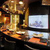 鉄板焼 集 - 料理写真:熱帯魚の水槽前は14名掛けられる鉄板カウンターがあります。