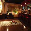 OHASHI - 内観写真:オープンキッチンのカウンター席。
