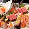 伊くま - 料理写真:市場から直接届く、海の幸を食べ比べ『お造り盛合わせ』