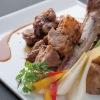 別邸 豚道泉 - 料理写真:骨付きスペアリブのオーブン焼き