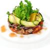 ビッグジョー - 料理写真:『潮鯛とサーモンの昆布風味』600円(税込) 新鮮な潮鯛・サーモンを小さくカットして、塩昆布を混ぜて調味しました。昆布の旨味成分が魚介に馴染んで美味しくなり、梅肉ソースと良く合っています。ステーキとハンバーグの前菜にお薦めの一皿です。