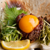 ろっかく鍋 榊 - 料理写真:上質な『ローストビーフ』を斬新なスタイルでいただく『ローストビーフユッケ風』