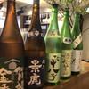魚真 - ドリンク写真:魚に合う日本酒揃えてます