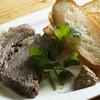 そら豆 - 料理写真:お酒のすすむ一皿。牛肉と野菜の旨みをしっかり閉じ込めた『自家製コンビーフ』