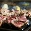 そら豆 - 料理写真:自分好みの焼き加減で。熱々の石に乗った肉をご賞味あれ