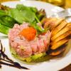 バル・ロッサ・ロッサ - 料理写真:季節の魚のタルタルとアボカドの相性ばっちり