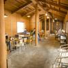 釜炊近江米 銀俵 - 内観写真:神社の修復もされる腕の大工さんに手伝っていただき、お店が広くなりました。