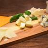 propeller - 料理写真:チーズ盛り合わせ