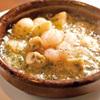 ダーツ&カラオケBAR サブマリン - 料理写真:えびとマッシュルームのアヒージョ