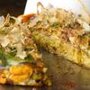 鉄板屋燈 - 料理写真:食事にはもちろん、おつまみにもなる軽いふんわり食感。ビールにもよく合う『お好み焼き』(豚玉)
