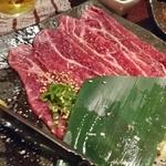 【居酒屋&焼肉】横浜駅周辺で美味しい肉を食べる!評判の店8選