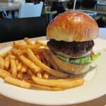 お昼でもガッツリ食べたい!中野でおすすめの肉ランチ8選