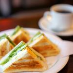 神田の朝カフェ8選〜ゆっくりモーニングを味わおう