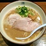 梅田で食べたいとんこつラーメン!人気店8選
