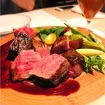 新宿の個室で肉を味わえるお店8選!デートに使えるお店も