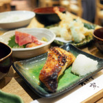 【豊洲】食べログで人気の美味しいランチ12選