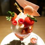 銀座で優雅に美味しいパフェ!おすすめの人気カフェ11選