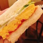 心斎橋のサンドイッチが美味しいカフェ