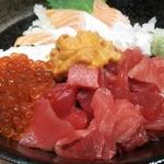 豊洲市場の周辺グルメ5選!海鮮料理やその他名物料理など