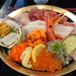 静岡名物の海鮮丼!観光の際に立ち寄りたい人気店10選