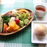 渋谷でたっぷり野菜!心と体にやさしいヘルシーランチ5選