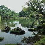 庭園のある風景 そこにあるグルメ
