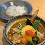 下北沢で美味しいスープカレーを堪能!行列必至の人気店7選