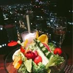 新宿のディナーデートに!夜景がきれいなお店などおすすめ13選