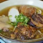沖縄市でランチを楽しむ!沖縄料理やその他の人気店15選