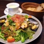 新宿のサラダランチ!たっぷりの野菜が食べられるお店15選