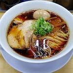 【大阪】黒いスープのラーメン【醤油】