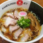 【焼豚】大阪で味わえるチャーシューの際立つラーメン【煮豚】