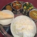 """僕らにも出来る、""""微力なネパール支援""""の食べ歩き     メニューに無いけど美味しいダルバートのお店"""