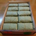 奈良県の郷土料理「柿の葉すし」の店