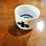 """日本酒、ワインに焼酎も。色んなお酒を少しずつ楽しめる""""ちょび飲み""""のスポット"""